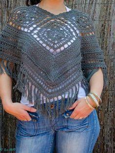 E aqui está o modelo de Poncho para a próxima estação!  Como sempre feito à mão em crochet.  Fio de algodão  € 45,00