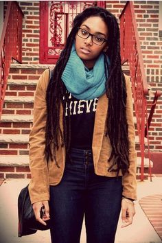 This girl is fab with these dreads. Such a cute and casual look, I would so wear this
