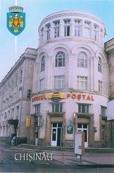 The main postal office, in Chişinău