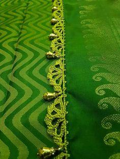Saree Kuchu New Designs, Saree Tassels Designs, Saree Blouse Designs, Lace Saree, Sari, Tatting Necklace, Kids Dress Patterns, Diy Crafts Crochet, Crochet Flower Tutorial