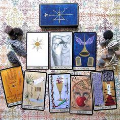 Cards from the Oracle de La Triade / / Photo © www.VioletAura.com