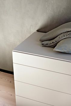 LEMA | Result of careful design research by Officinadesign Lema, QUARANTACINQUE is a series of elegant bedside that take its name from refined 45 degrees joints. Ideal testimony of Lema's style, it represents a true work of craftsmanship transposed into industrial production.