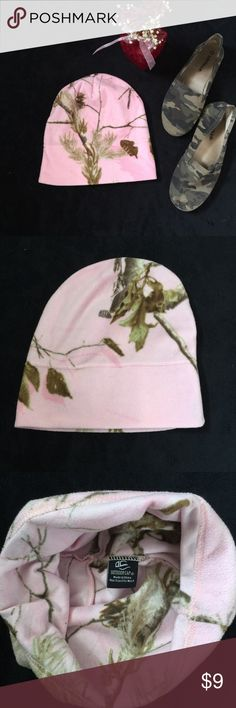 Pink camo beanie women's one size os Excellent condition  Pink camo beanie Its long, made to be rolled over as photographed  Feel free to make me an offer I also have bundle discounts if you want to purchase more than one thing from my closet outdoor cap Accessories Hats