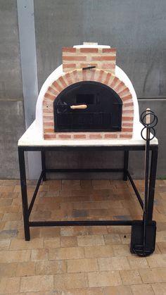 Horno de leña de Pereruela montado en Albacete. El horno de barro con acabado tracional vendido en la Feria de Expovicaman.