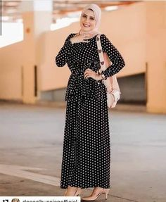 Street hijab style in summer – Just Trendy Girls Hijab Dress Party, Hijab Style Dress, Modest Fashion Hijab, Modern Hijab Fashion, Street Hijab Fashion, Abaya Fashion, Muslim Fashion, Fashion Dresses, Hijab Outfit