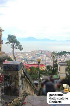 Panorama sul golfo di Napoli dallo scalone Donizetti.  #vomero #napoli #scaledinapoli