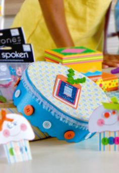 How cute are these DIY birthday boxes? | birthday craft | handmade gift