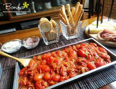 Casos e Coisas da Bonfa: O confit de tomatinhos pra saborear com torradinhas