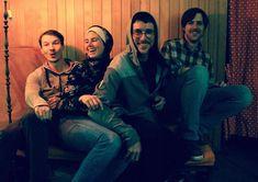 EXPERIMENT AM MONTAG  13.01.2020 - 20:00 Uhr LIVE  >> FRIEDL CASTOR EXPERIMENT<<  Ausgehend von unzähligen spätnächtlichen Jams hat sich Friedl Castor Experiment zu einem elaborierten Bandprojekt entwickelt. Die Vier spielen an Bass Gitarre Schlagzeug Querflöte Chalumeau und Gesang. Von Acid Lounge über Mood Pop bis Minimal Allround entfaltet Friedl Castor seinen eigenen Stil und schließt keine Genres im Schaffensprozess aus. Grooviger Sound aus Birkenbergs Underground. Experiment, Bass, Minimal, Lounge, Couple Photos, Live, Couples, Beavers, Welding Torch