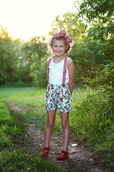 The Fawn shorts are perfect for all season. The Fawn shorts offer two different leg finishings including a bubble short. Cute Girl Outfits, Cute Outfits For Kids, Cute Girls, Sewing Kids Clothes, Leg Cuffs, Little Girl Fashion, Pattern Fashion, Summer Dresses, Shorts
