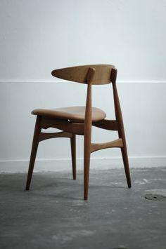 carré - urbnite:   Hans Wegner CH33 Chair