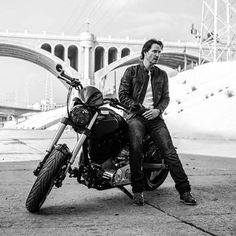 Tutorial on how to take the perfect Keanu photo: Stick him with a motorcycle, preferably his KRGT-1, then press the button on the camera. Tadaaaa here is the perfect photo of Keanu! Enjoy~ #keanureeves #archmotorcycle #krgt1 #bikelover #ridingrocks #perfectphoto #blackandwhite #lovekeanualways #heissoperfect