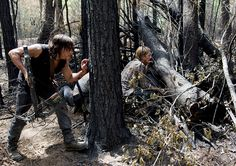 The Walking Dead Season 6 Episode Photos Burnt forest Daryl, Dwight, Honey, & what's her name Walking Dead Season 6, Walking Dead Tv Series, The Walking Dead Tv, Walking Dead Background, Austin Amelio, Fall Tv, No Way Out, The Day Will Come, Daryl Dixon