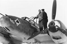 whistlingdeath:Front section of a Messerschmitt Bf of Russia, Summer 1941 Aircraft Photos, Ww2 Aircraft, Military Aircraft, Luftwaffe, Wellington Bomber, Focke Wulf, Ww2 Planes, Battle Of Britain, Nose Art