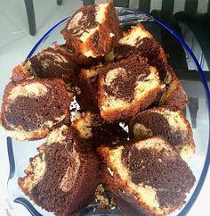 Tradicional keke marmoleado. Con cafesito es lo máximo.