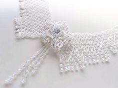 お花付きホワイトのレース風衿型ネックレス