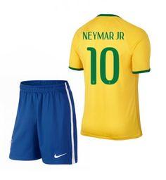 Brazil Home Soccer Jerseys 2014 World Cup Nike + Shorts 10 Neymar JR online Nike Football Kits, Soccer Kits, Men's Football, Brazil World Cup, Fifa World Cup, Neymar Jr, World Cup Shirts, Short Bleu, National Football Teams