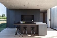 Photo 107 of 1439 in Best Kitchen Photos from Defying traditionalism: concrete bungalow inserted in a rural Belgian landscape - Dwell Residential Architecture, Interior Architecture, Interior And Exterior, Contemporary Architecture, Minimalist Architecture, Interior Design, Minimalist House Design, Minimalist Home, Kitchen Interior