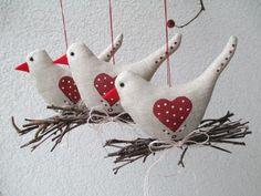 OTÝPKA 1 / Zboží prodejce Jalis | Fler.cz Homemade Stuffed Animals, Sewing Stuffed Animals, Easy Crafts To Make, Diy Home Crafts, Bird Crafts, Craft Stick Crafts, Christmas Sewing Projects, Christmas Crafts, Fabric Christmas Ornaments
