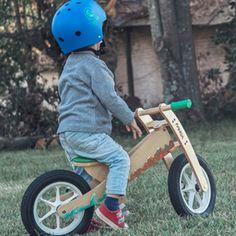 FANGA Bicicletas de aprendizaje en madera. http://charliechoices.com/fanga/