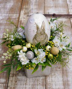 dekoracje wiosenne, kwiaty sztuczne, wiosna, dekorację na wiosnę, dekoracje na wielkanoc, easter, easter deco, easter decorations, kompozycje świąteczne, kompozycje wiosenne, stroiki wiosenne, hiacynt, pomysły na wiosnę, Easter, Wielkanoc, wiosenne inspiracje, zieleń, dekoracje wiosenne z kwiatów sztucznch, białe kwiaty, kwiaty wiosenne, flowerbox, stroik, flower box, zając, zajączek, wielkanocny stroik, wielkanocny stół Hygge, Easter Decor, Dom, Flowers, Easter Activities, Royal Icing Flowers, Flower, Florals, Floral