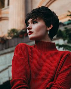 had an absolutely INSANE moment of pure ecstasy while looking at the view from the rooftop of i have never, aside from… Pixie Hairstyles, Pixie Haircut, Cute Hairstyles, Haircuts, Short Pixie, Pixie Cut, Girl Short Hair, Short Hair Cuts, Hair Inspo
