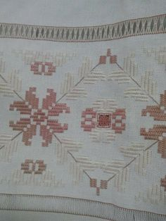 This Pin was discovered by Fat Swedish Embroidery, Hardanger Embroidery, Cross Stitch Embroidery, Hand Embroidery, Embroidery Patterns Free, Embroidery Designs, Bargello, Drawn Thread, Malm