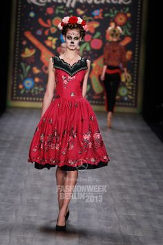 """Lena Hoschek at Mercedes-Benz Fashion Week in Berlin debuted her Spring/Summer 2013 collection, which was inspired by Mexico's """"Dia de los Muertos"""" celebration Mercedes Benz, Mexico Fashion, Mexican Designs, Mexican Dresses, Vogue, Fashion Show, Fashion Design, Dress Skirt, Beautiful Dresses"""