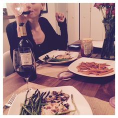 Dinner by Phoebe Tonkin and Paul Wesley (Instagram)