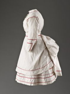Girls Summer Dress England, circa 1865-1870 Costumes Cotton A): 33 1/4 in. (84.455 cm); B) Center back length: 21 3/4 in. (55.245 cm) LACMA