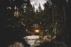 Whiskey in the Woods Forest Cabin, Lost In The Woods, Cabin Homes, Log Homes, Cozy Cottage, Scenery, Exterior, House Styles, Places