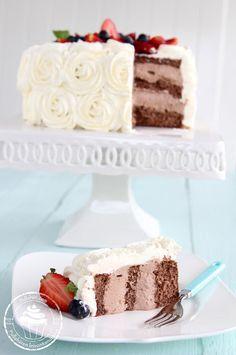 Pullahiiren leivontanurkka: Suklaanmakuinen täyte kakkuun Tasty Bites, Dessert Recipes, Desserts, Sweet And Salty, Vanilla Cake, Food And Drink, Baking, Cupcake, Tailgate Desserts