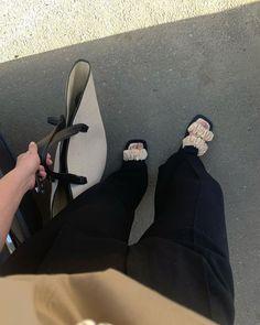 Paulien 🌙 (@paulienriemis) • Instagram-foto's en -video's Balenciaga, Adidas Sneakers, Summer, Instagram, Style, Fashion, Block Prints, Swag, Moda