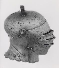 European    Close Helmet, c. 1510    Steel- Art Institute of Chicago