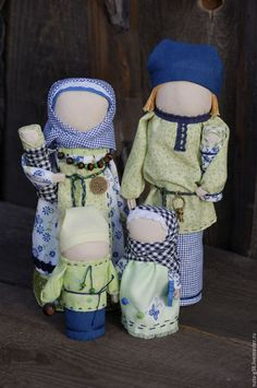 Купить или заказать Дружная семейка. в интернет-магазине на Ярмарке Мастеров. Народные, сувенирные куклы.Изготовлены из натуральных и природных материалов. Состав семьи и количество деток можно изменить.Будет приятным подарком для семьи.