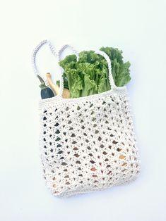 Farmers Market bag crochet pattern kit by Little Monkeys Design - designed with chunky organic cotton yarn - summer bag crochet pattern.