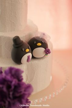 Penguins wedding cake topper by MochiEgg on Etsy #weddingcake #cakedecor
