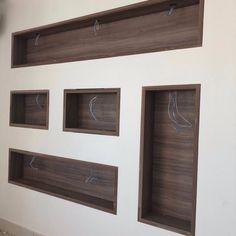 Living Room Wall Designs, Hallway Designs, Design Your Home, House Design, Drywall, Recessed Shelves, Modern Tv Wall Units, Diy Storage Shelves, Paving Design