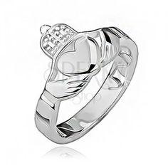 Gyűrű 925 ezüstből, dísz kivágások, fényes szív, korona és kezek.