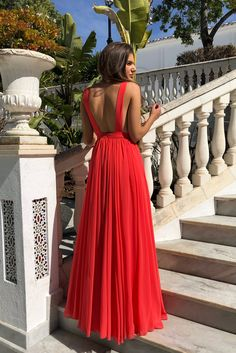 VESTIDO CORALINA - Rocío Osorno - Diseñadora de moda - Sevilla Party Gowns, Party Dress, Prom Party, Cheap Prom Dresses, Formal Dresses, Red Chiffon, Look Cool, The Dress, Dream Dress