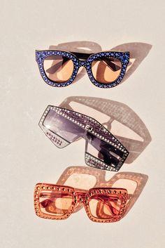 elton john Elton Johns Farewell Tour Wardrobe, Explained - The. Best Picture For sunglasses re Glam Rock, Elton John Glasses, 70s Aesthetic, Estilo Rock, Studio 54, Photo Wall Collage, 70s Fashion, Rock And Roll, Style Icons