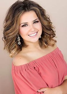 Miss America's Outstanding Teen 2018 will be crowned on July 29th/2017! Head to Pageant Planet to vote for your favorite contestant. Who ever has the most votes for winner, will be the feature headshot when posted on Pageant Planet social media 7 days before crowning! Here:Alana Lewis Louisisiana Watermelon Festival's Outstanding Teen