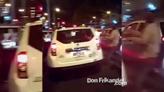 Taxistas agreden a conductores de Uber en Bogota y ademas, bajan a sus p...
