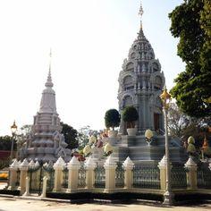 Royal Palace, Phnom Penh, Cambodia (Jan 2015)  Lindsay Mickles Photography  http://theneverendingwanderlust.com/