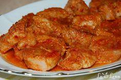 Roast pork in garlic sauce, baked - Moldovan Friptura or Pork Stew Pork Recipes, New Recipes, Chicken Recipes, Dinner Recipes, Cooking Recipes, Chicken Steak, Meat Steak, A Food, Food And Drink