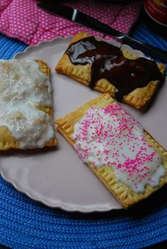 4 ingredient homemade poptarts using prepared pie dough I figured if I was making some poptarts for me the kids would want to make some of their own(: