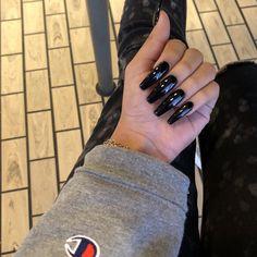 Claw Nails, Aycrlic Nails, Sexy Nails, Stiletto Nails, Nails On Fleek, Hair And Nails, Coffin Nails, Long Black Nails, Black Acrylic Nails