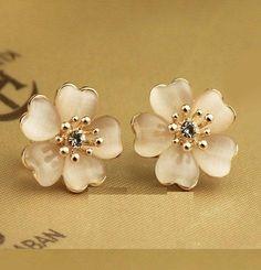 Lovely floral earrings -https://www.cooliyo.com/product/85500/crystal-floral-earrings/
