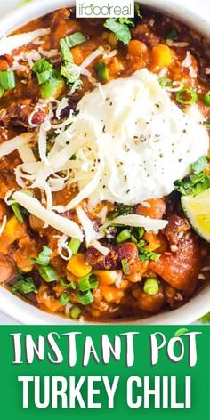 Instant Pot Turkey Chili is the ultimate fall and winter comfort food. Ground turkey, beans, veggies and spices simmer for 15 minutes in your electric pressure cooker with a taste like it has been cooking all day. Healthy Family Meals, Healthy Breakfast Recipes, Healthy Recipes, Healthy Dinners, Instant Pot Dinner Recipes, Recipes Dinner, Dinner Ideas, Freezer Friendly Meals, Turkey Chili