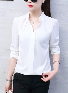 1359 best blusas manga larga images in 2019 Blouse Styles, Blouse Designs, Classy Outfits, Casual Outfits, Sleeves Designs For Dresses, Professional Outfits, Business Attire, Blouses For Women, Fashion Dresses